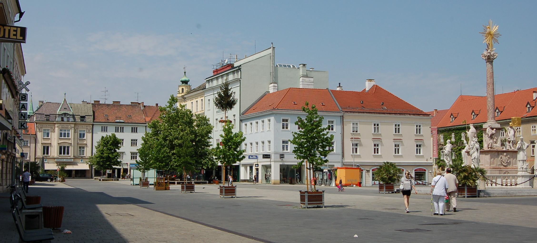 """Projekt """"Naschmarkt"""" am Hauptplatz Wiener Neustadt  regio"""